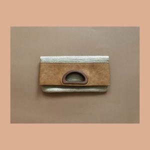 Straw Fold Clutch